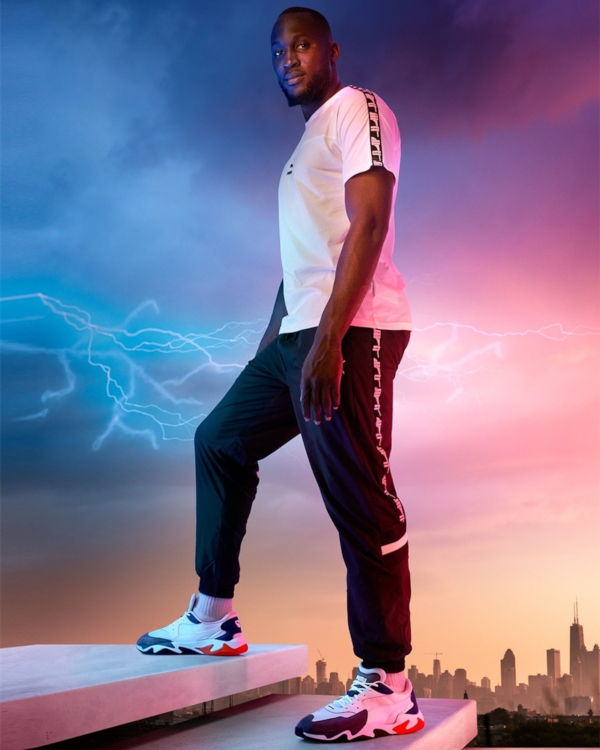 Giocatore Manchester United Romelu Lukaku indossando le scarpe