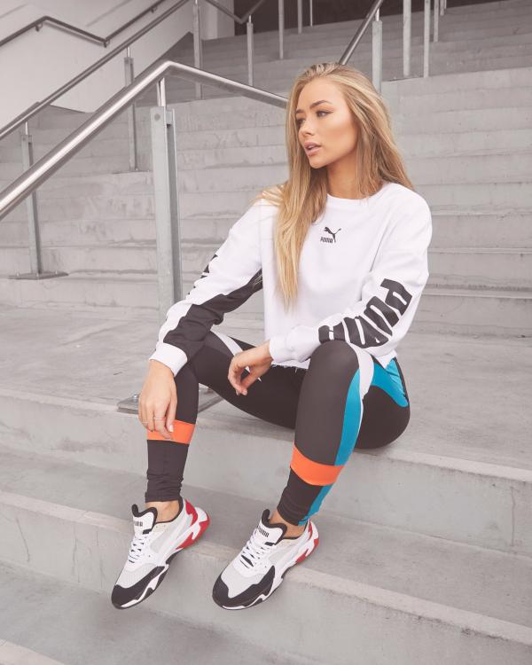 Outfit sportivo donna con storm origin